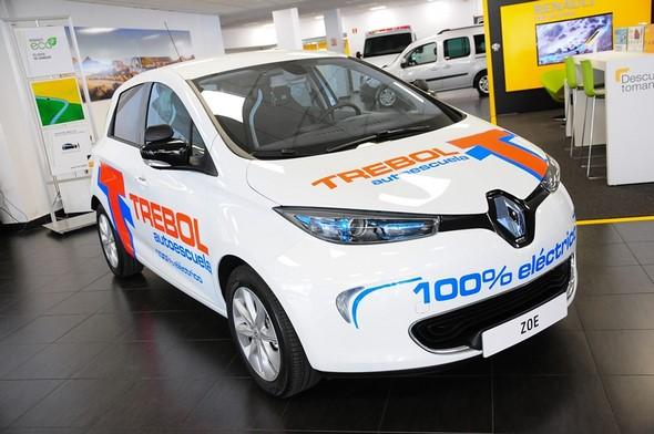 descubre-renault-zoe-el-primer-coche-eléctrico-de-autoescuela