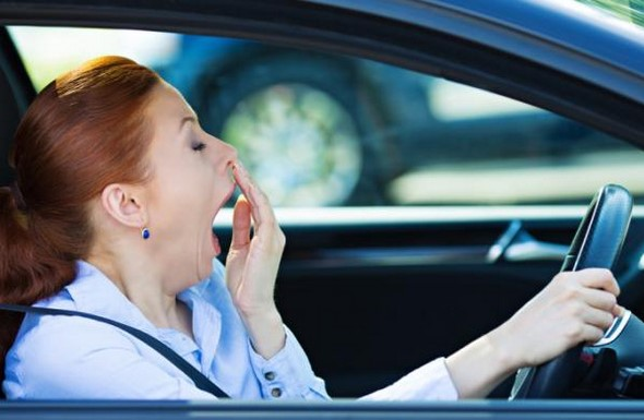 conducir-en-primavera-5-síntomas-de-alergia-al-volante-que-no-debes-subestimar