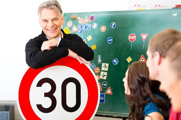 cuantos-fallos-puedes-tener-en-el-examen-teorico-de-conducir-2017