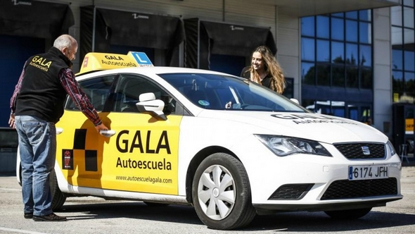 coches-para-autoescuelas-gala