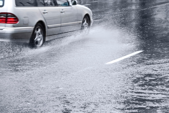 consejos-para-conducir-bajo-la-lluvia