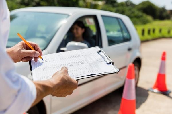 fallos-permitidos-en-el-examen-practico-de-conducir