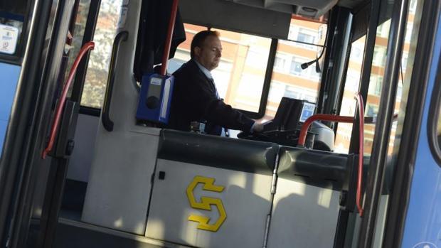 dgt-8-horas-de-clases-teoricas-conductor-autobus