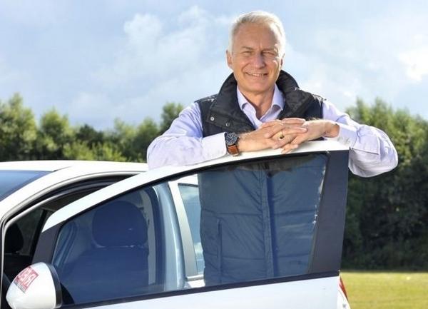 sacar-el-carnet-de-conducir-a-los-50-tercera-edad