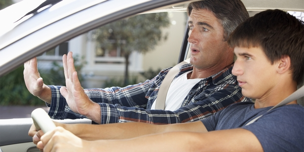como-vender-los-nervios-en-el-examen-de-conducir-practico