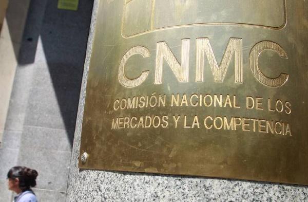 CNMC tumba la obligatoriedad de dar 8 horas de clases